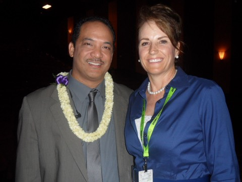 Makana Aloha President, Jami Burks and local news reporter Billy V at the 2015 Hiki No awards